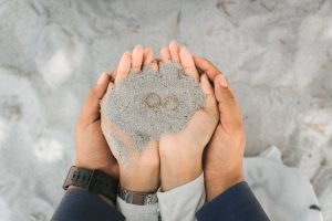 engagement rings on the sand